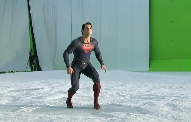 movies-man-of-steel-henry-cavill-flying-1